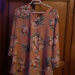 Tops - Womens 3x flowing blouse
